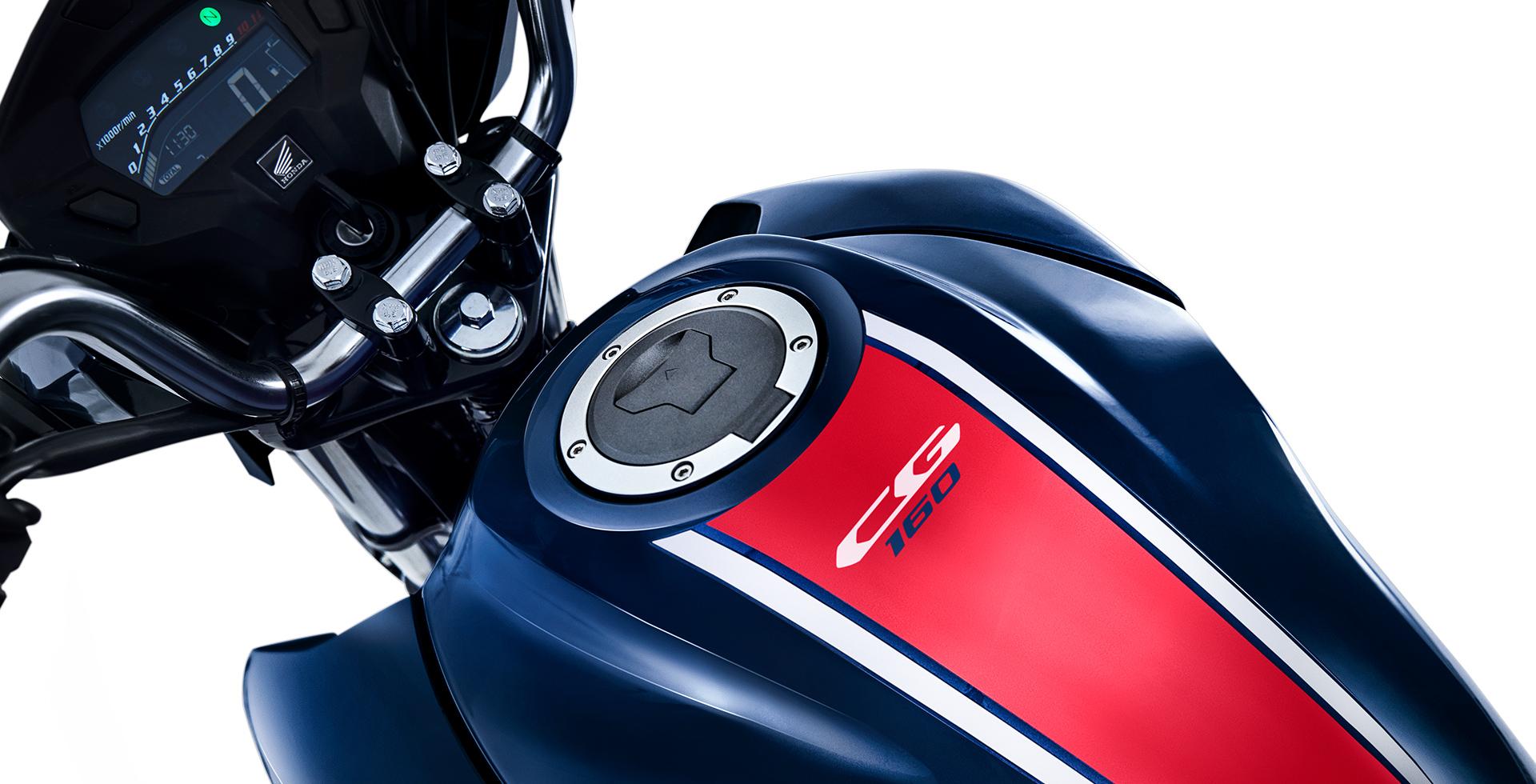 Titan azul escuro detalhe tanque